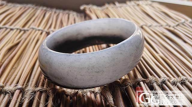 和田墨玉籽料黑白分明手镯两支_传统玉石
