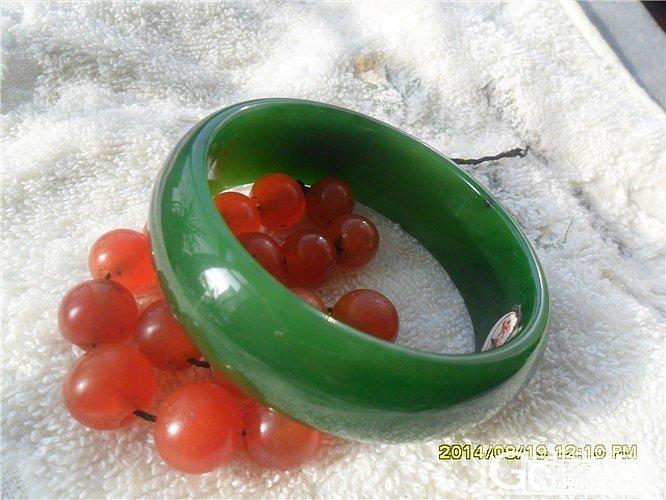 红和绿_传统玉石