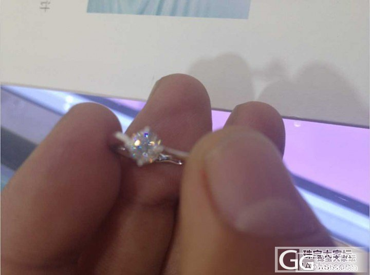 一款30分的戒托如果镶嵌1克拉会不会..._钻石