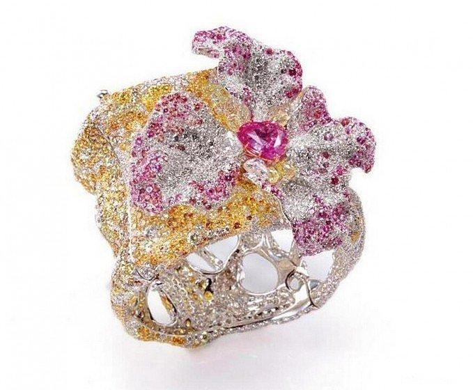 Cindy Chao或引领珠宝界现代..._宝石刻面宝石