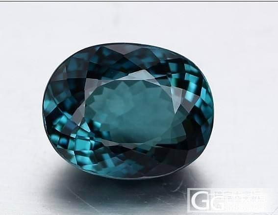 一颗纯蓝色碧玺哦~~非常美丽的蓝色,..._宝石