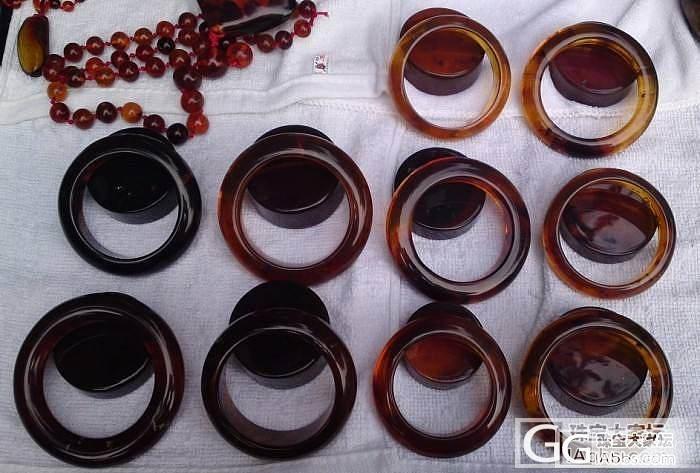 缅甸琥珀手镯几支_有机宝石