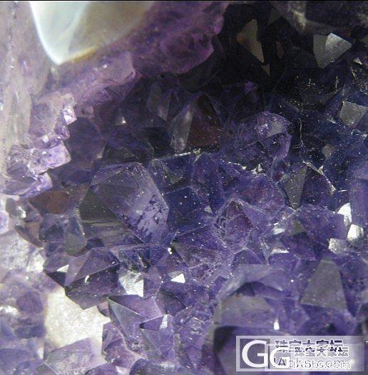 了解紫晶洞的高手来~紫晶洞被加色了~..._洞盆簇