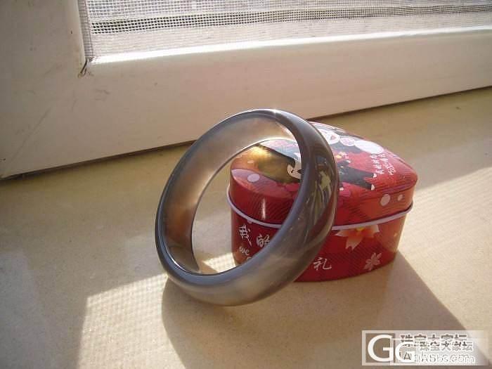 特价原色镯子和手链一条_玛瑙