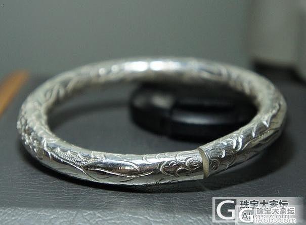 99千足银富贵牡丹纹纯手工大尺寸圆条镯_银