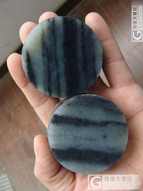 转两个籽料水墨青花镯子芯_传统玉石
