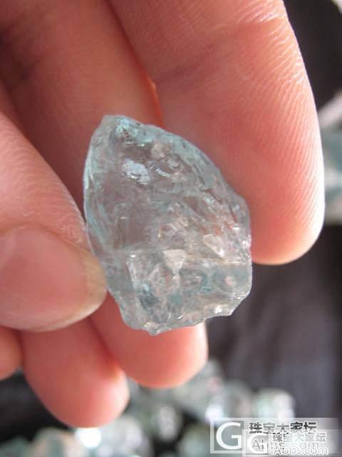 新疆阿勒泰的海蓝宝石原料_海蓝宝刻面宝石