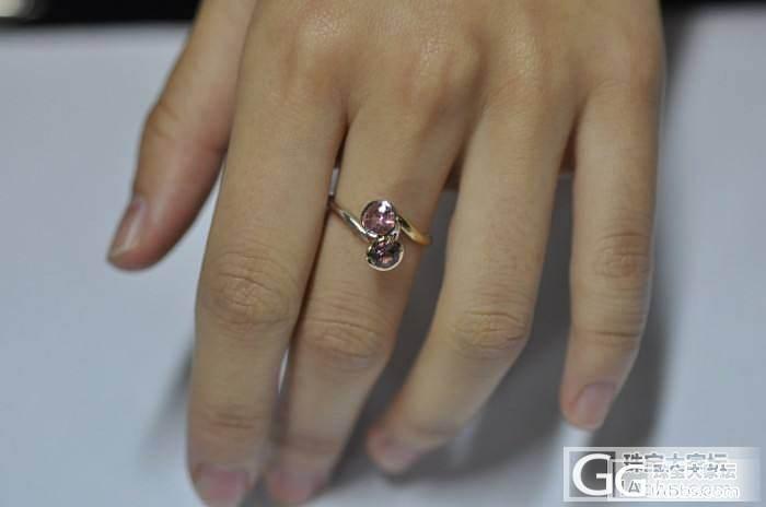 自己设计找朋友镶嵌的,这样的戒指镶嵌风格,会不会太暧昧啦,哈哈,求闪闪闪闪_珠宝