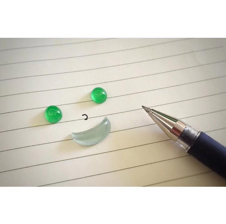 无论工作和生活怎样,都应该笑脸相迎😊_戒面翡翠