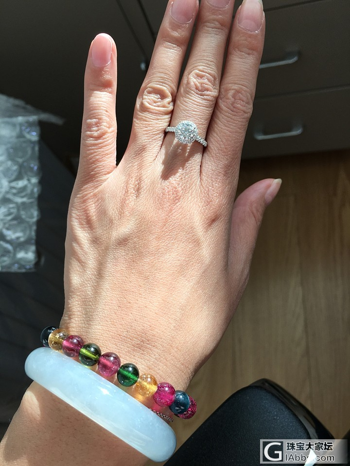 日常上班佩戴的钻钻,阳光正好,晒晒火彩_戒指钻石