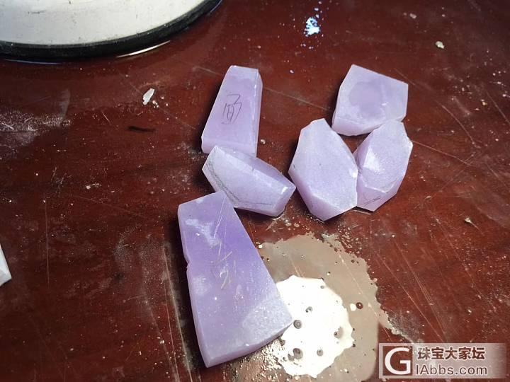 细腻的紫罗兰,看上去挺美的_明料翡翠