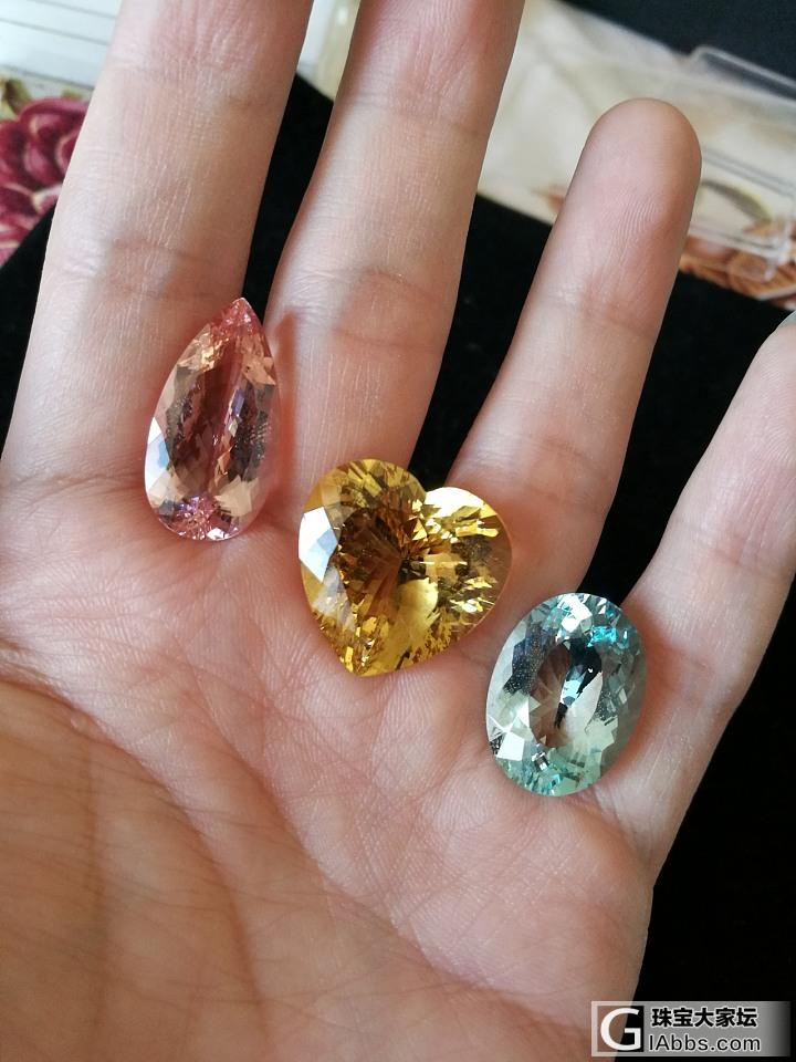 继续晒石头,海蓝以前没发过,拉来摩根和金绿柱石一起合个影_海蓝宝刻面宝石摩根石金绿宝石