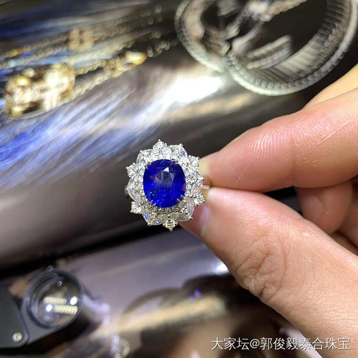 蓝宝石戒指_名贵宝石