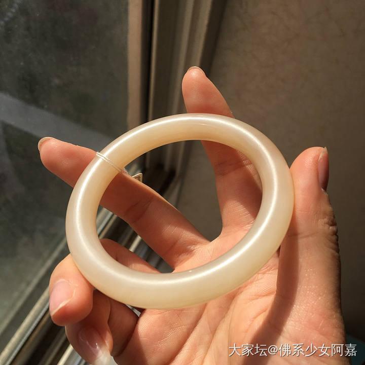 和田玉青海料藕粉色圆条手镯_和田玉