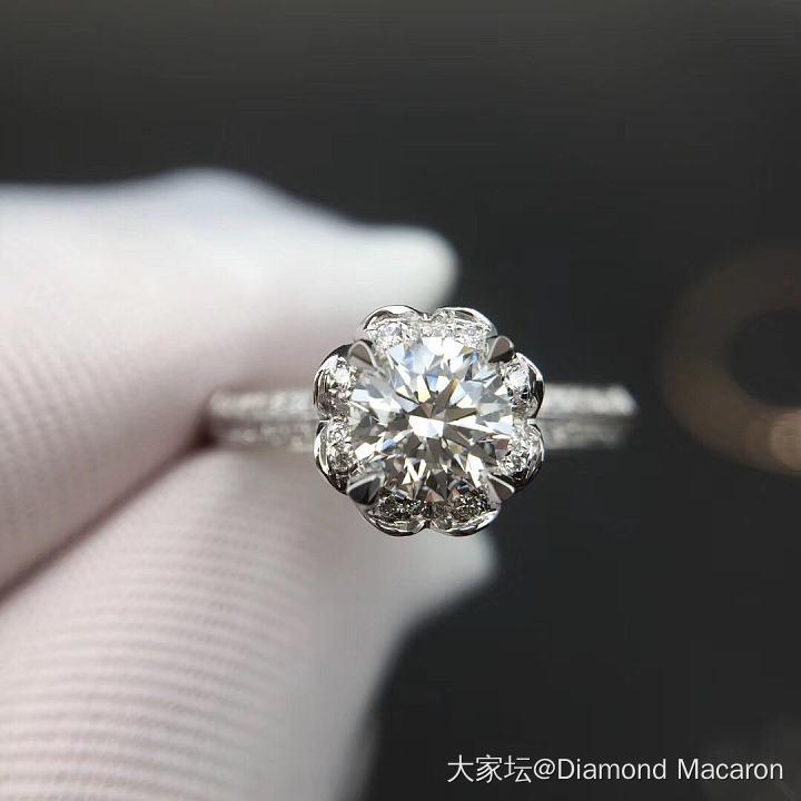 60分双色花束款钻戒,H,VS1和20分四爪钻石耳钉_戒指钻石