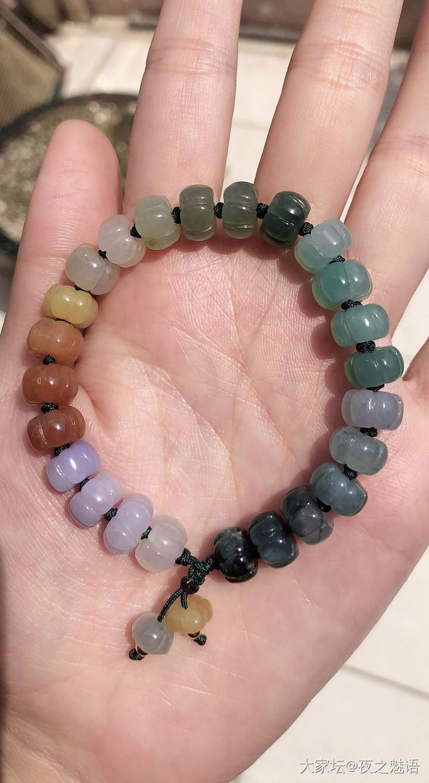 彩珠还是按色系排列看起来舒服_珠串翡翠