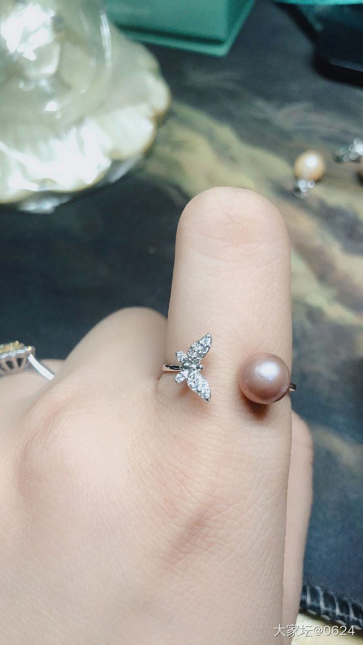 一些小东西(钻戒、手链、珍珠、手串、胸针)_传统玉石