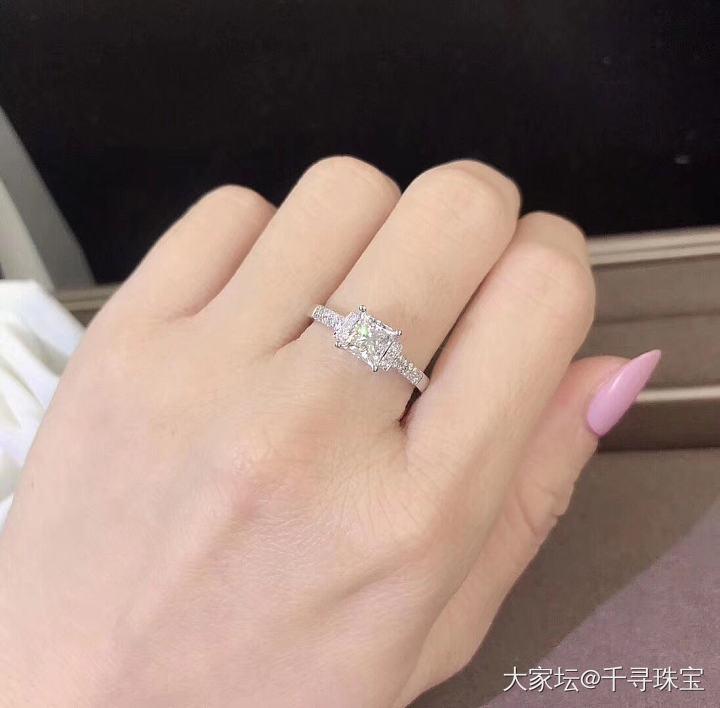 【公主方女戒】一克拉设计款_钻石千寻珠宝