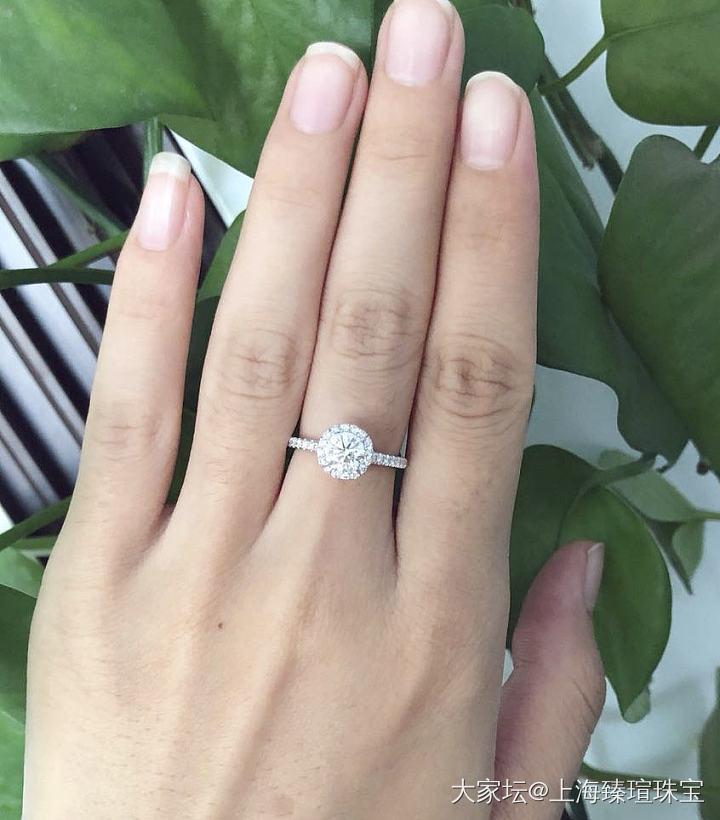 半夜纠结婚戒改款款式,发出来给大家帮忙选选_戒指钻石