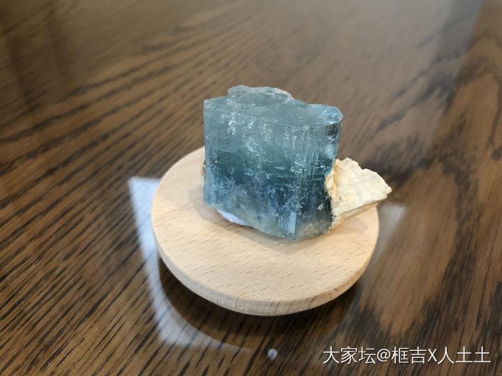 好久没来啦,又有新宝贝秀啦,水分水分_少见宝石海蓝宝矿物标本芬达