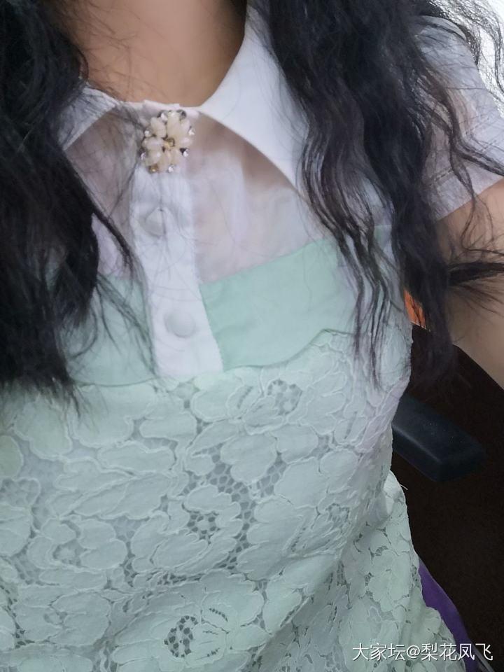 绿衫配祖母绿_首饰