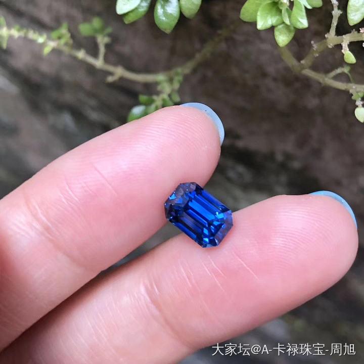 推荐一颗新货?? 3克拉多祖母绿切割无烧皇家蓝蓝宝石,颜色好,火彩好,净度好,各方..._名贵宝石