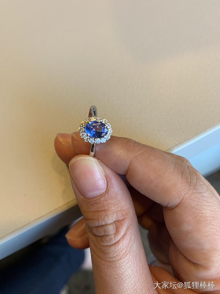 新人請教,這個藍寶的臺面切割是不是有點問題?_藍寶石