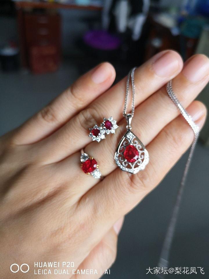 今天一套红_尖晶石