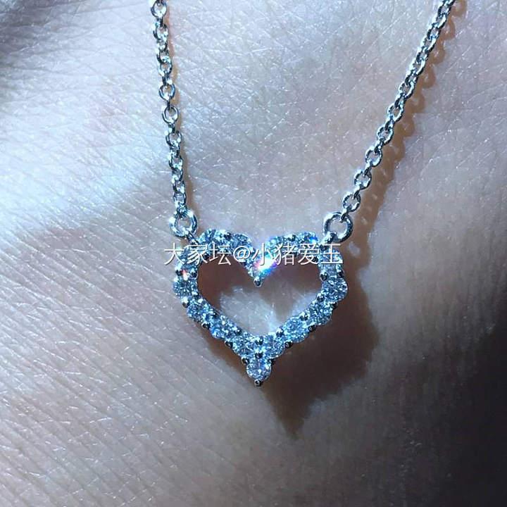 18K白金心形钻石项链_颈饰钻石认证商