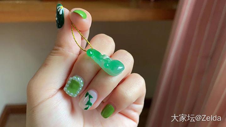 黄绿荷塘月色特色大挂件精雕_万博手机iOS