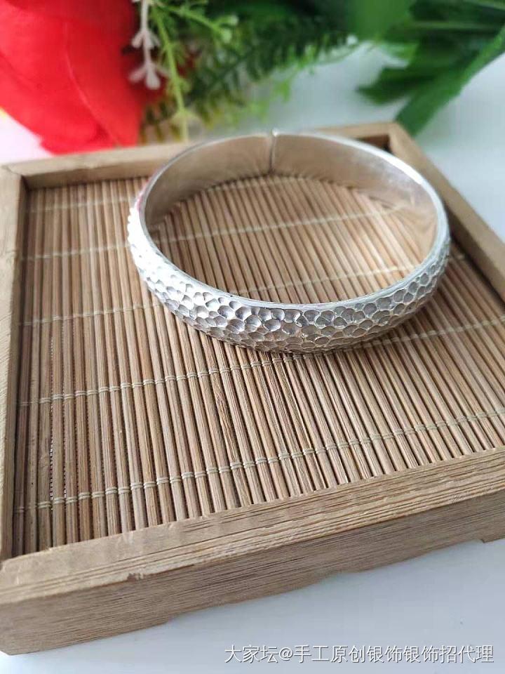 999纯银纯手工锤纹手镯_银