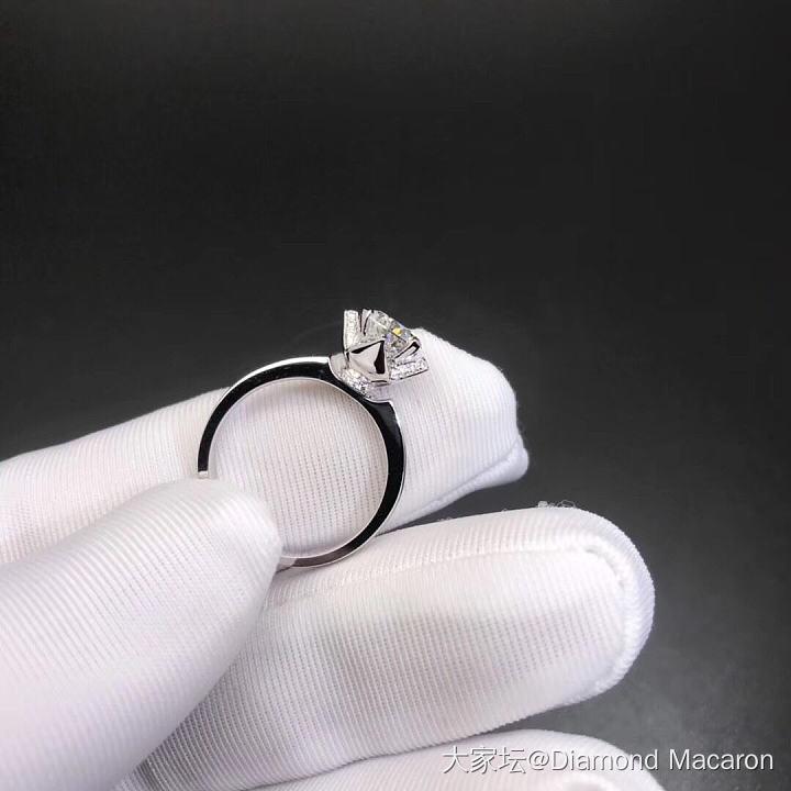 1克拉新款菱形四爪钻戒_钻石