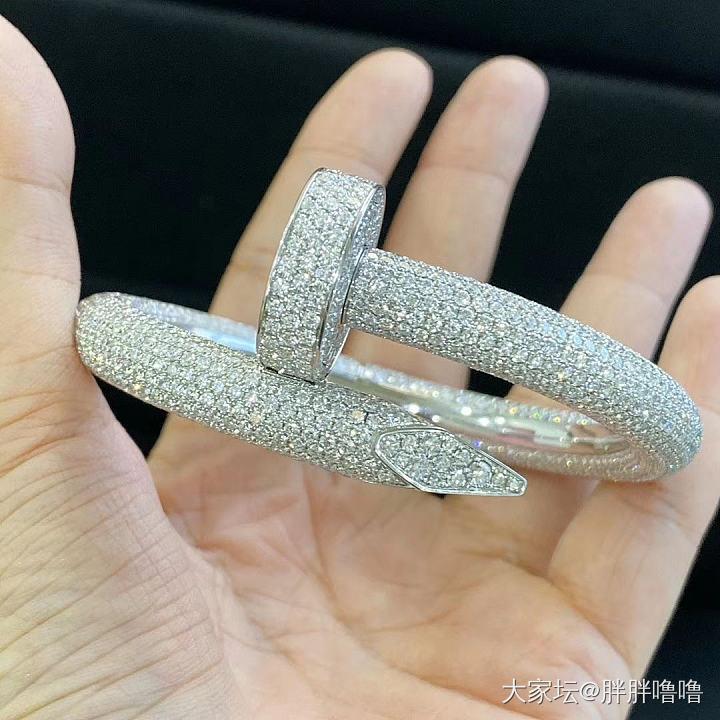 刚刚朋友圈看到的迪拜土豪镯_手镯金钻石