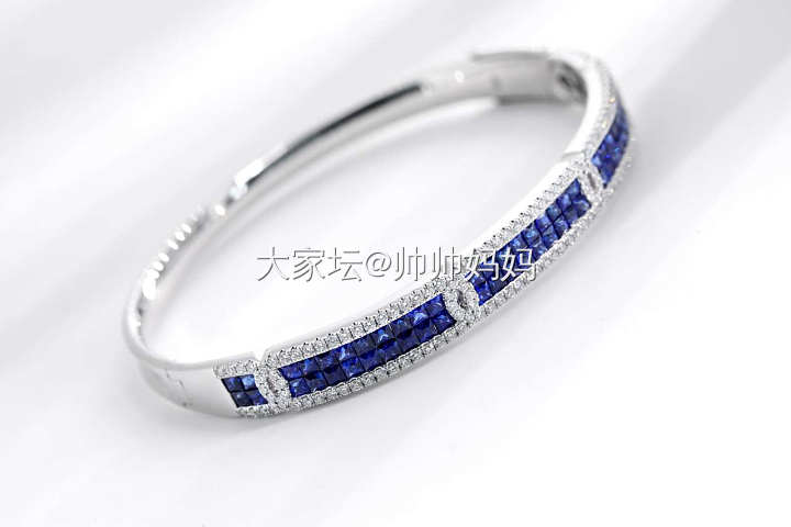 经典款18K白金无边镶蓝宝石钻石手镯_名贵宝石