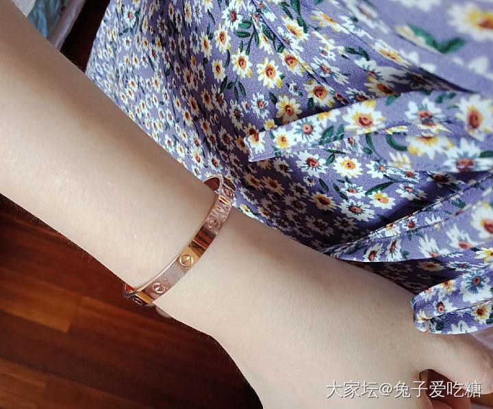 今天戴这个镯几+小雏菊裙子_首饰