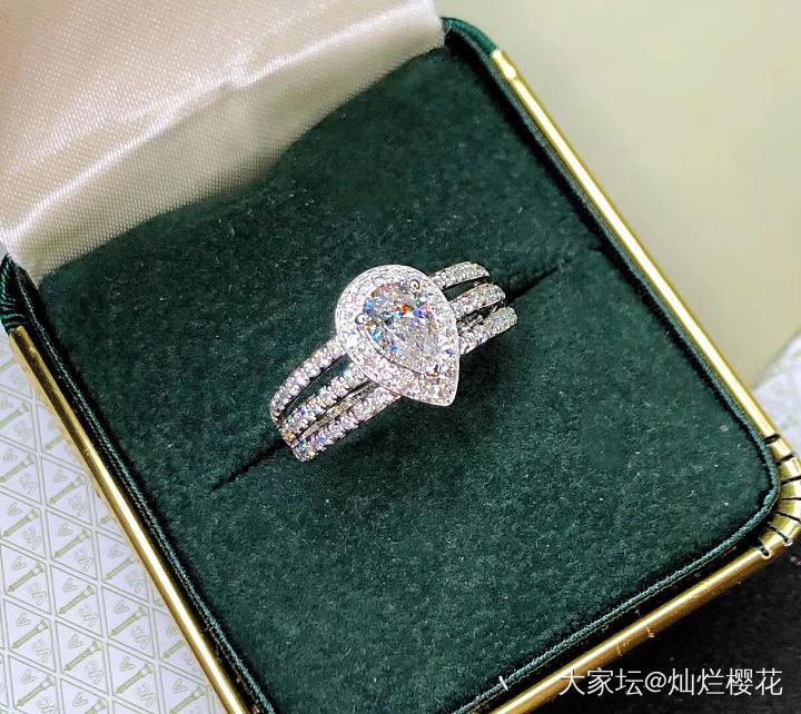 自带优雅气质的水滴形,主钻0.70克拉 F色 Si1肉眼洁净 2VG N,GIA..._钻石认证商