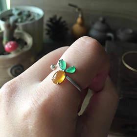 翡翠起光胡萝卜戒指