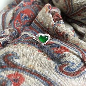 18k金真钻镶嵌天然A货翡翠冰种帝王绿阳绿心形戒指