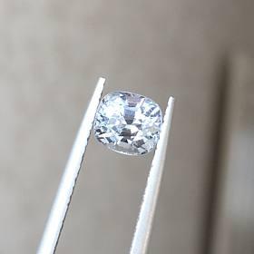 1.25ct 银灰色尖晶石 缅甸产地 肉眼干净晶体闪亮 戒面吊坠料