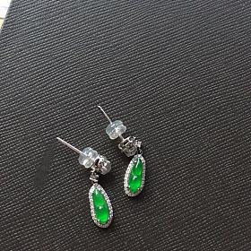18k钻石翡翠绿豆耳钉