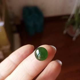 天然冰种阳绿高冰到玻璃种强荧光翡翠蛋面裸石 和彩色蛋面