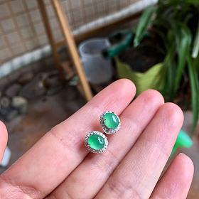 天然A货翡翠18K镶甜绿耳钉