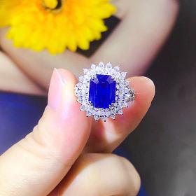 4.24ct有烧蓝宝石戒指