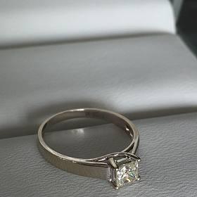 18k金40.2分钻石戒指