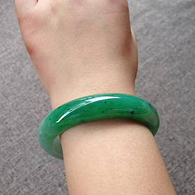 56.5浓绿翡翠手镯