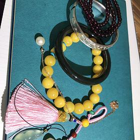 紫牙乌蜜蜡手串,藕粉莲藕,珍珠锁骨项链,和田手镯