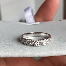 18k金40分钻石戒指 18k金40分钻石戒指
