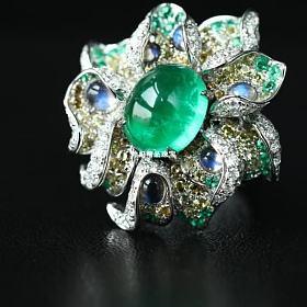 18k白金祖母绿钻石花朵戒指