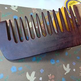 低价小叶紫檀梳子,发簪,沉香,橄榄核雕刻!