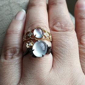 出贝爷家两枚白蛋戒指和花丝精工吊坠